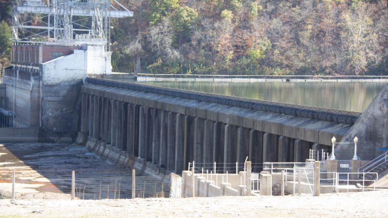 121101 Power Site Dam 9 1 768x432 - Damage to Ozark Beach [Power Site] Dam] spillway gates
